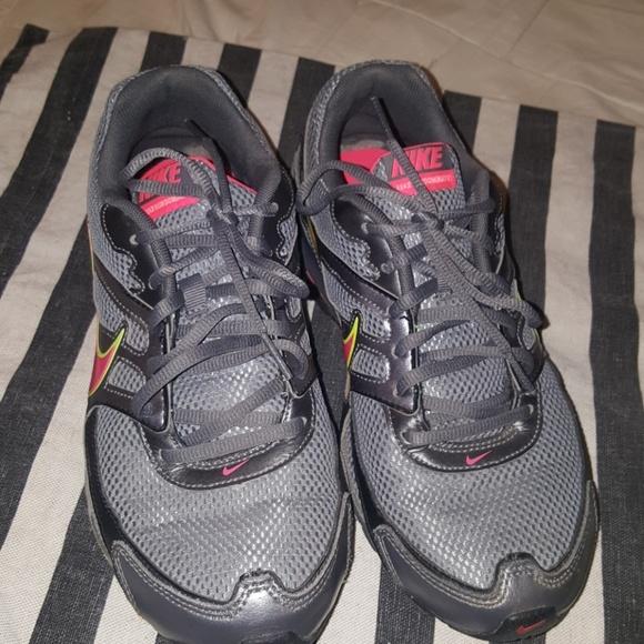 b83a46a2fbbd Nike REAX Run Dominate Size 8. M 5a69492e9cc7ef4cfa5de03d